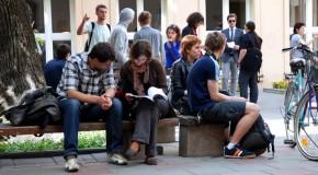 Numărul tinerilor din Rep. Moldova, în continuă scădere. Fiecare al treilea tânăr de 15-29 ani nu lucrează și nici nu învață