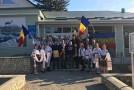 """(VIDEO) Flacăra din Marșul Centenarului a ajuns în Parcova. Localnicii au cântat """"Hai, să ne ridicăm și să-nfăptuim Unirea!"""""""