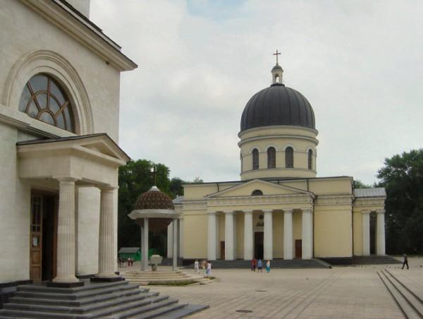 Chisinau_Parcul_Catedralei