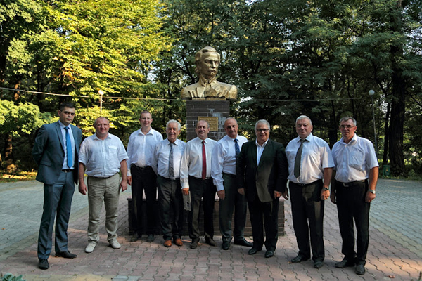 Senatori de la București vizitează nordul Bucovinei