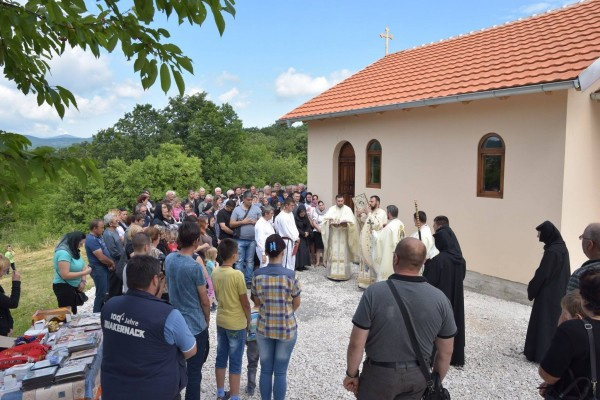 biserica-romaneasca-in-bor-timoc